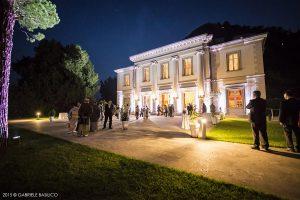 garden_by_night_villa_gneo